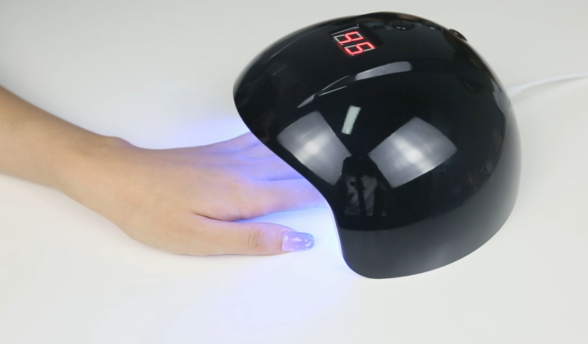How to apply gel nail with UV lamp